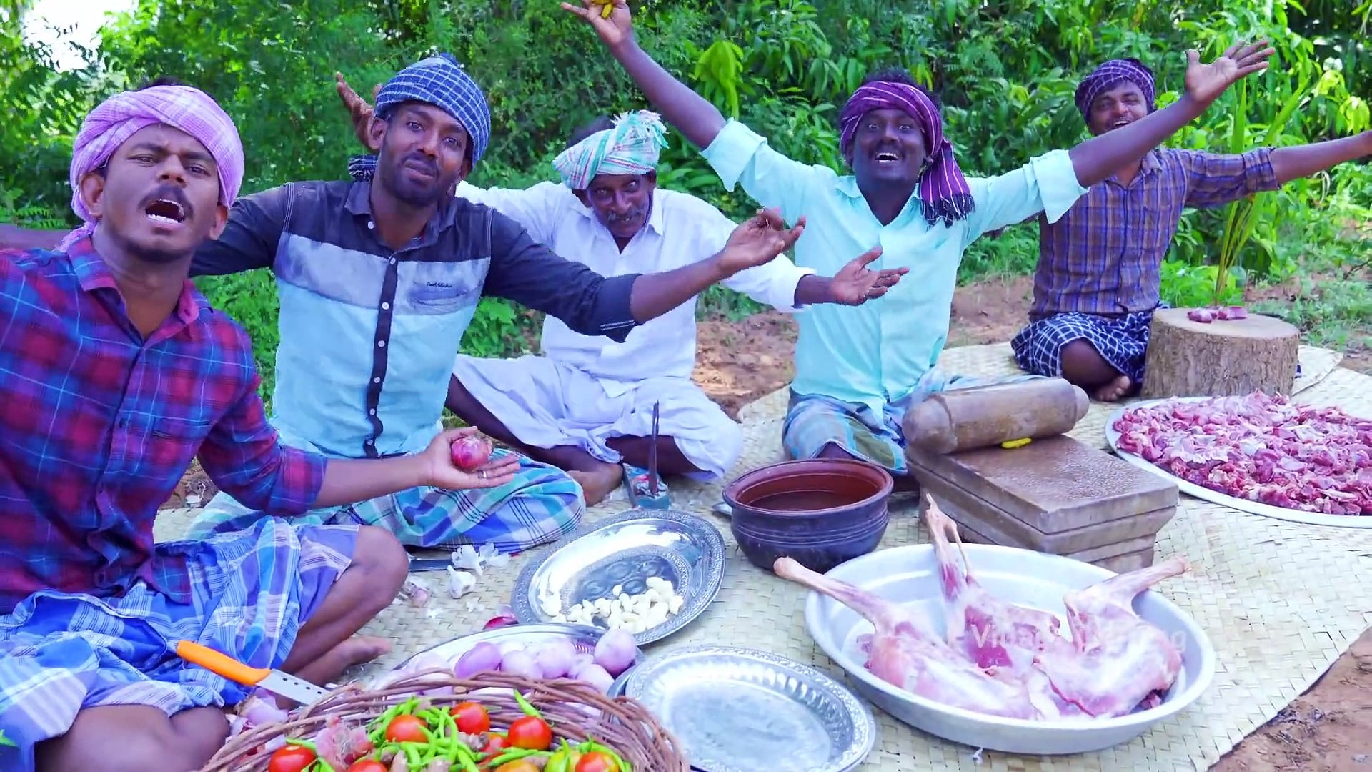 MUTTON DRY FRY - Varattu Kari - Chettinad Fried Mutton Recipe - Traditional Cooking in Village