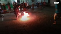 اندونيسيا: اللعب في كرة اللهب للاحتفال بالعالم الجديد