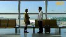 떠나는 박재정을 만나러 공항에 온 김원희