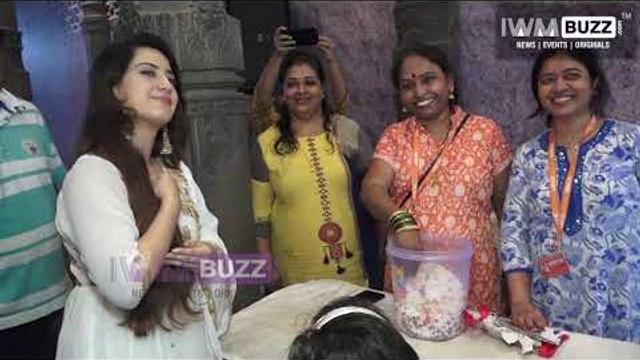 Alisha Panwar seeks blessings of Andherichya Raja Ganpati