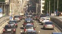 Face à l'enjeu climatique, le secteur automobile alterne marche avant et marche arrière