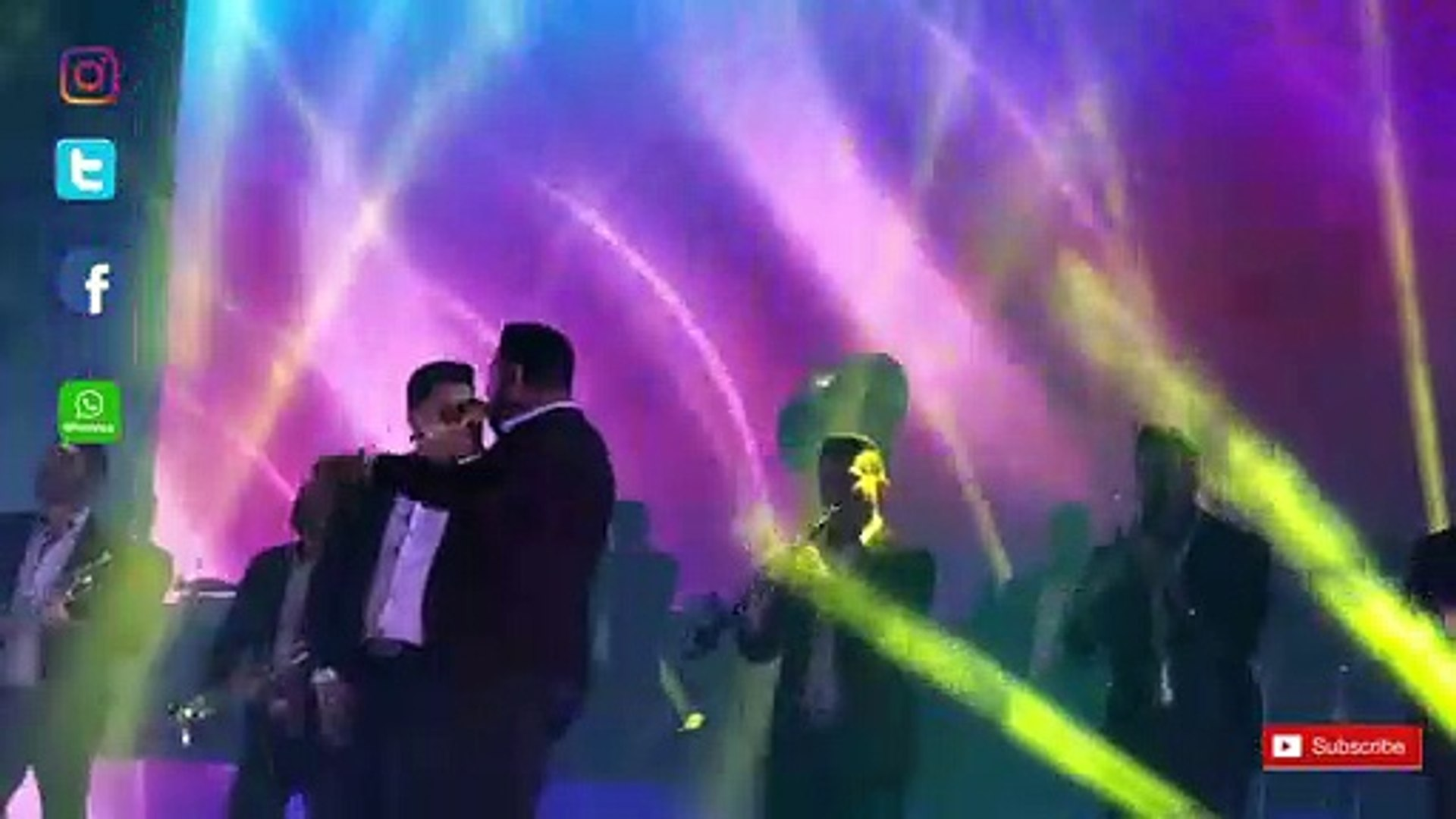 Ayer La Vi Por La Calle - Banda  MS  cover - vivo