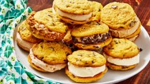 Pumpkin Chocolate Chip Ice Cream Sandwiches = The Dream Team