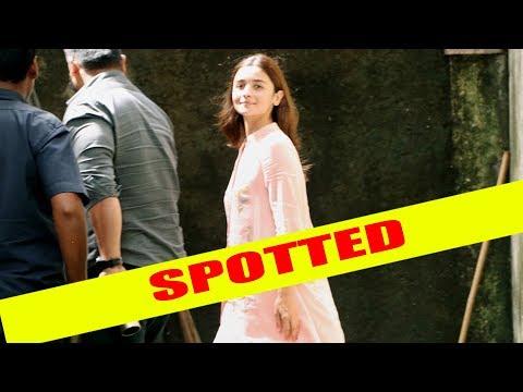 Alia Bhatt snapped outside Sanjay Leela Bhansali's house