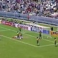 """""""Le but de Zidane contre Leverkusen, je ne le comprends pas. On dirait qu'il a trois hanches""""   Découvrez l'interview """"Première fois"""" de Disiz La Peste"""