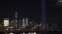 L'image des deux faisceaux lumineux dans le ciel de New York pour commémorer le 11-Septembre