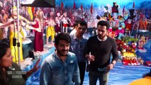 Varun Dhawan, Kartik Aaryan, Emraan Hashmi & Others At Visit T Series Pandal For Ganpati Darshan.2