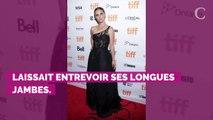 PHOTOS. Natalie Portman laisse entrevoir son soutien-gorge au Festival de Toronto