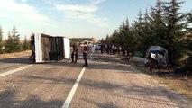 Ticari araç ile kamyonet çarpıştı: 2 ölü, 2 yaralı
