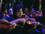 """WATCH: Vice Ganda sings """"""""Taller, Stronger, Better"""""""" mash up at the ABS-CBN Christmas Special 2014"""