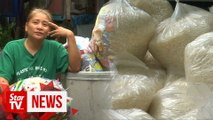Plastic-for-rice exchange feeds hungry Filipino village