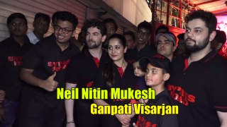 Neil Nitin Mukesh's CRAZY Dance On Nasik Dhol In Ganpati Visarjan Wid Wife Rukmini & Daughter Nurvi