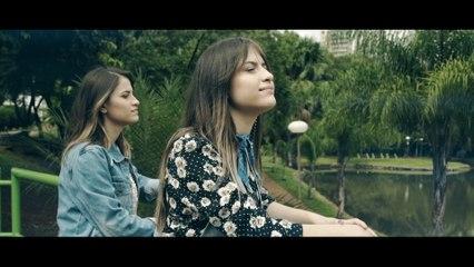 Julia & Rafaela - Dois Pra Lá E Eu Pra Cá