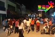 逛直凉大街闹中秋    500市民逛大街重拾中秋童趣。