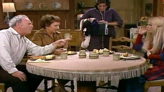 All In The Family Season 7 Episode 9 Teresa Moves In