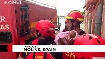 شاهد: إنقاذ رضيع وحدوث أضرار مادية جراء الفيضانات جنوب شرق إسبانيا