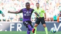 Le penalty transformé par Max-Alain Gradel face à Saint-Etienne