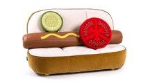 Seriez-vous prêts à débourser 7 100 $ pour ce canapé « hot-dog » ?