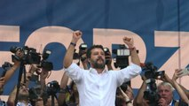 Salvini a Pontida: apriamo porte Lega, pronti ai referendum