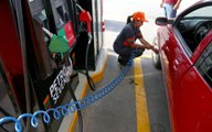Gasolina no subirá de precio pese a alza del petróleo: AMLO
