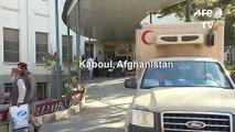 Des blessées réagissent après l'attentat-suicide dans le centre de Kaboul