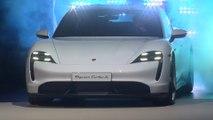 Porsche präsentiert auf der IAA in Frankfurt den neuen Taycan
