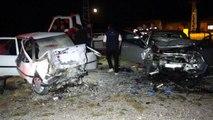 Otomobiller kafa kafaya çarpıştı: 3 ölü, 2 ağır yaralı