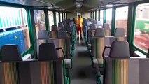 A bord des wagons du train Dubreka Express
