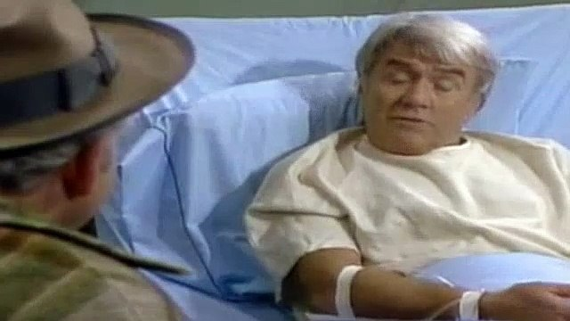 All In The Family Season 8 Episode 1 , 08-02 Archie Gets The Business