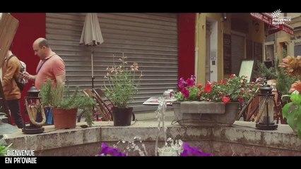 Bienvenue en Pr'Ovalie : Andrzej Charlat et les rues étranges d'Aix-en-Provence