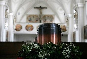 ¿Cómo elegir las flores para una cremación?