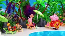 Peppa Pig swims at the Pools of the Water Park Playmobil