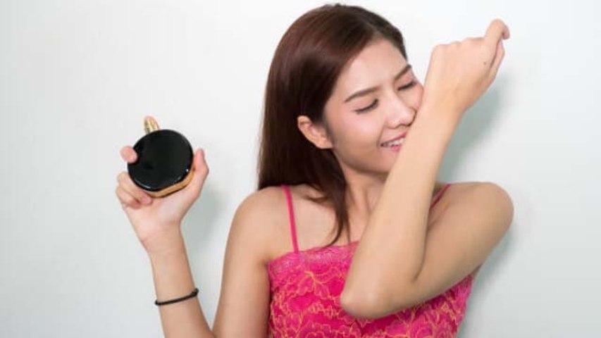 अब लंबे समय तक टिकेगी आपके परफ्यूम की खुशबू | Perfume Fragrance Tips | Boldsky