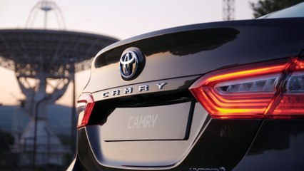 VÍDEO: Toyota Camry Hybrid 2020