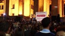 - Gürcistan'da hükümet karşıtı protesto- Protestocular hükümete kırmızı kart gösterdi