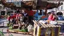 Le manège déjanté du Carrousel Titanos donne le top départ du festival des Arts de la rue qui se déroule tout ce week-end à Pont-à-Mousson