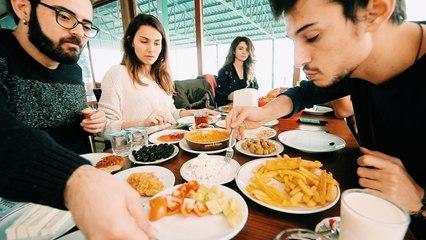 Kahvaltı Yapmak İçin VAN'a Gitmek! (22 TL' ye Efsane Lezzet)
