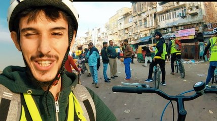 Bakın Hindistan'da neye inanıyorlar? - Ara sokakları bisikletle geziyorum