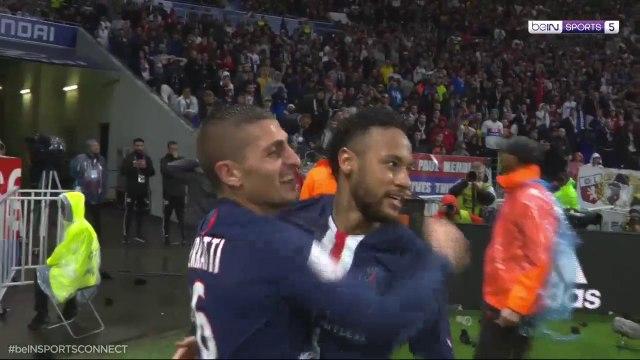 Neymar Scores Late Winner Against Lyon