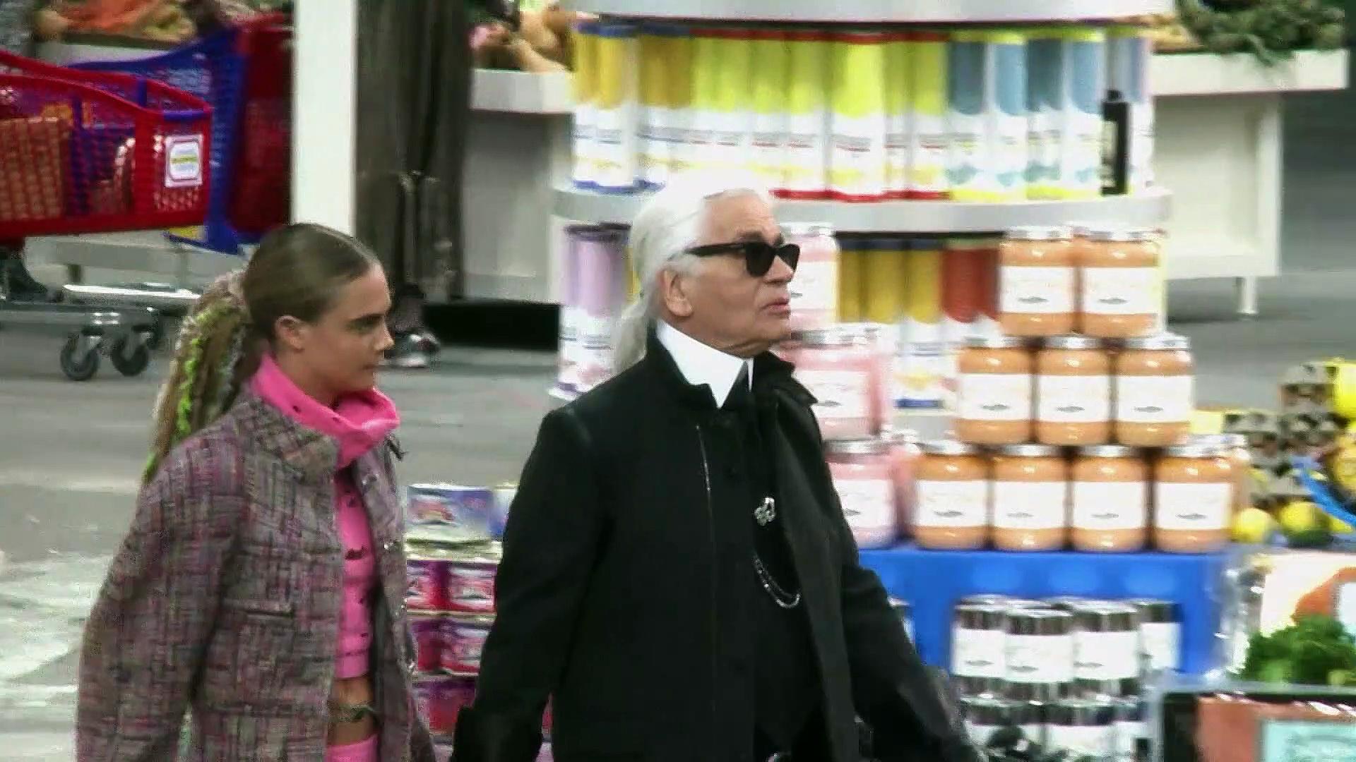 CELEBRITY OF THE WEEK - Karl Lagerfeld