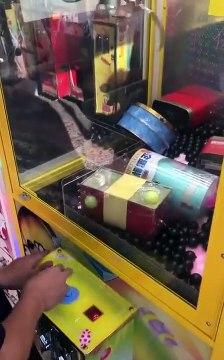 Il trouve une toute nouvelle méthode pour gagner aux machines à pince
