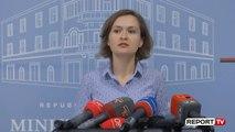 Report TV - Ministrja e Arsimit  Nëse bie tërmet mbuloni kokën me jastëk dhe futuni poshtë tavolinës