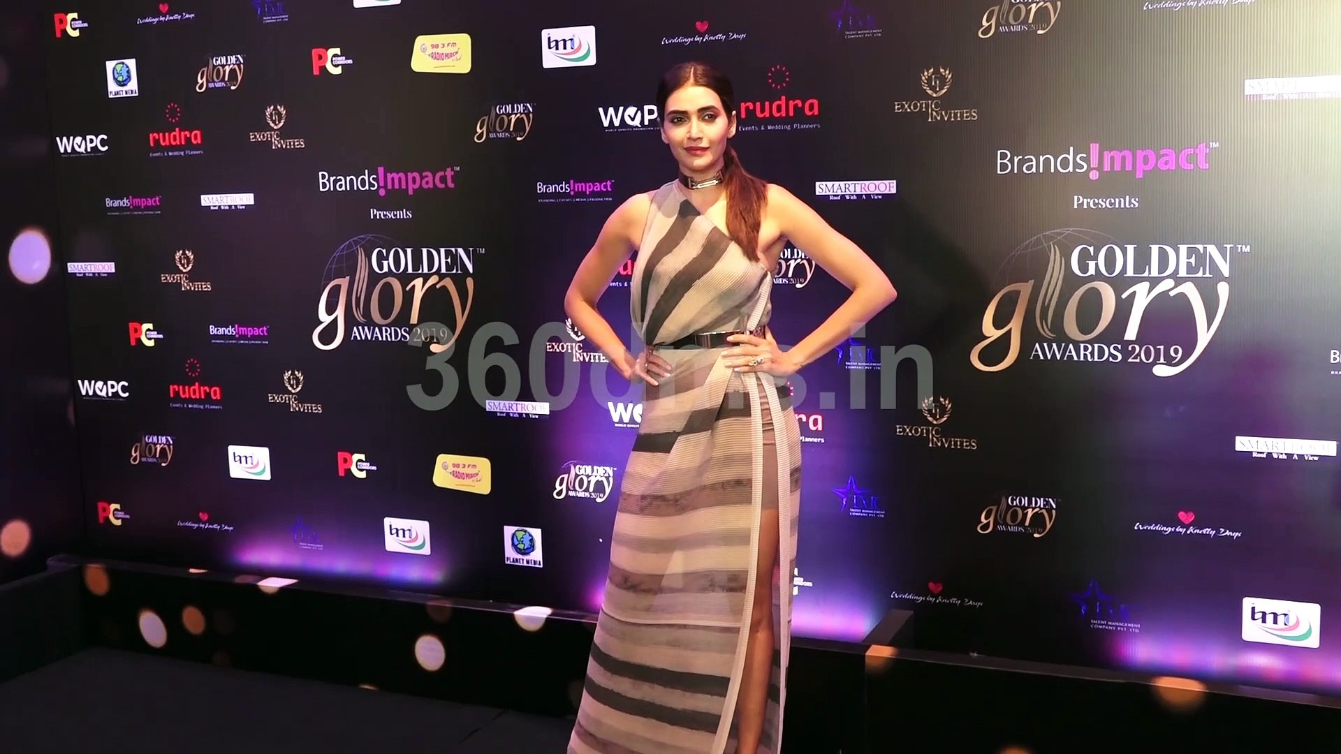 Bollywood and TV Stars at Red Carpet of Golden Glory Awards 2019