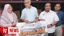 Federal Territories Foundation gives RM150,000 to KL transit home