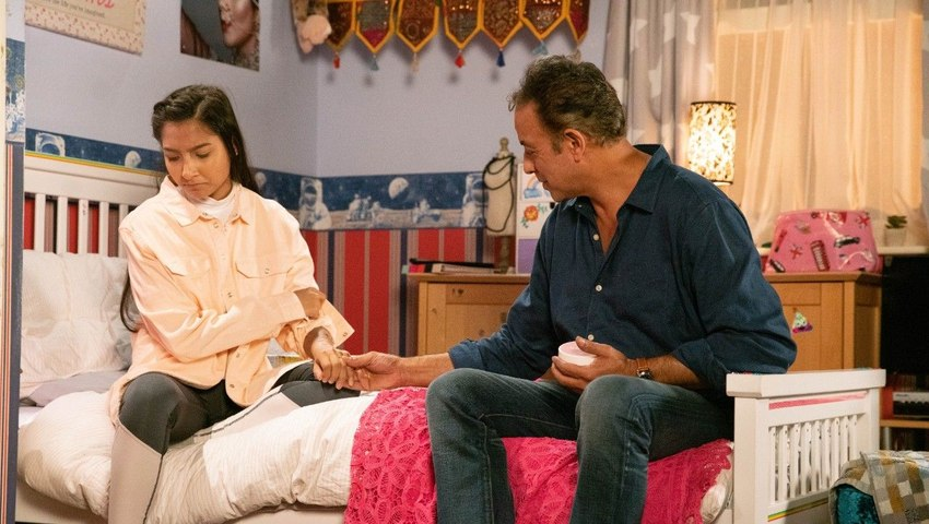 Coronation Street Soap Scoop! Asha's secret is revealed