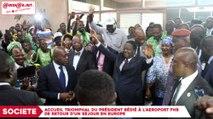 Accueil triomphal du président Bédié à l`aéroport FHB après un séjour en Europe