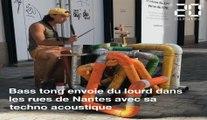 Bass tong joue de la techno acoustique dans les rues de Nantes