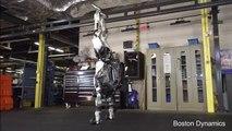 Le robot Atlas fait de la gymnastique (Boston Dynamics)