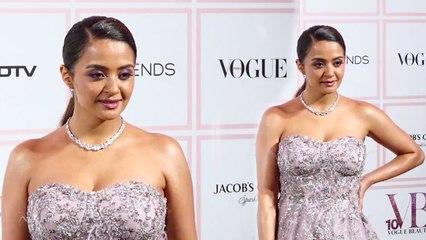 Surveen Chawla Sensational Looks @ Vogue Beauty Awards 2019