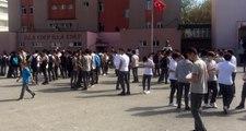 İstanbul depreminin ardından kalp krizi geçiren öğretmen hayatını kaybetti